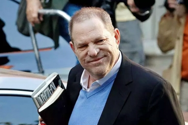 Harvey Weinstein Spotted At Arizona Restaurant