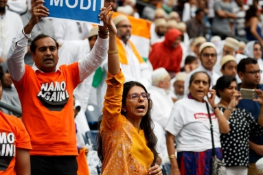 In Pictures: Narendra Modi, Indian Americans at 'Howdy Modi!'